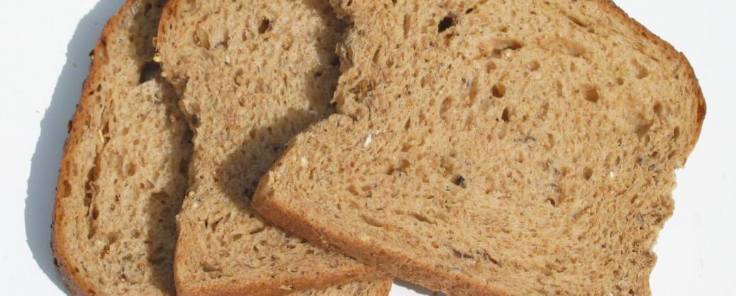 Zuppa-estiva-di-pane-una-ricetta-semplice-e-gustosa-pane-raffermo