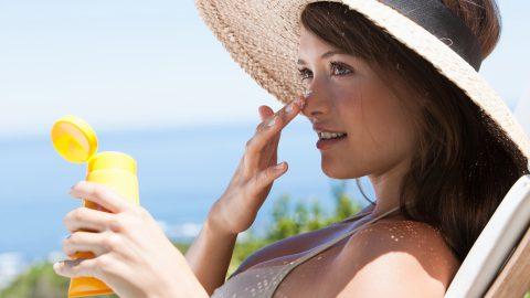 Danni alla pelle e sole, qualche consiglio utile