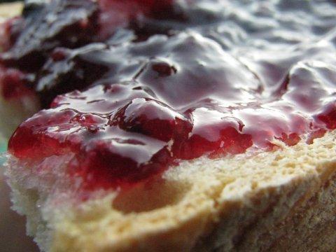 Che differenza c'è tra confettura e marmellata?