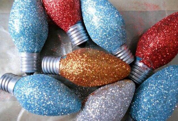 addobbare-albero-di-natale_lampadine-glitter