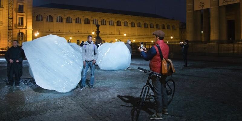 clima-12-iceber-piazza-parigi-performance