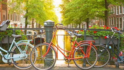 Amsterdam vuole diventare la prima città a emissioni zero