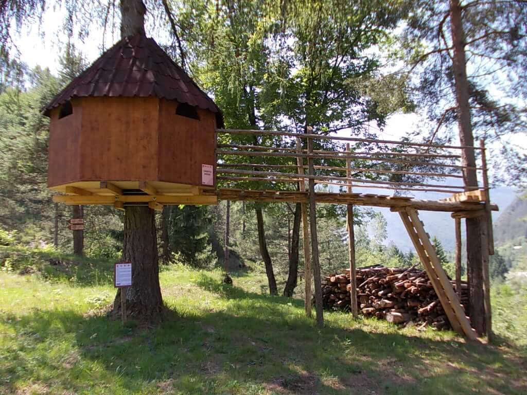 Casetta sull albero good la casa sullualbero del caravan - Progetto casa sull albero per bambini ...