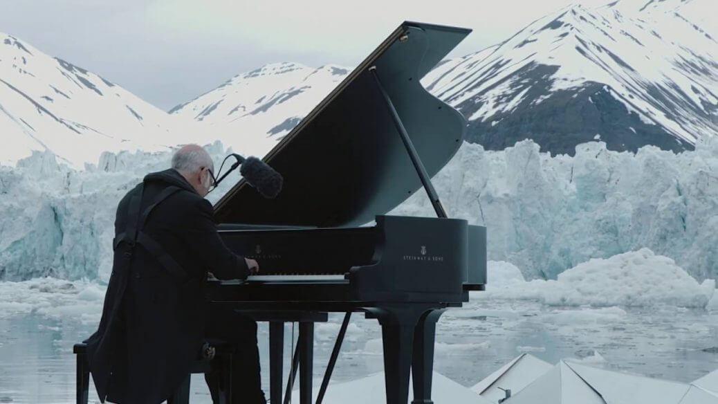 Ludovico Einaudi suona tra i ghiacci contro il global warming