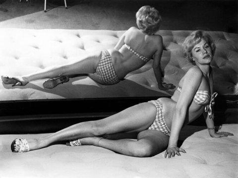 Bikini, 70 anni portati con stile
