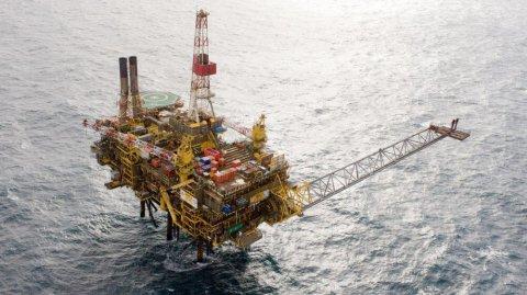 Shell, addio piattaforme petrolifere nel Mare del Nord