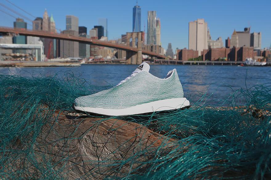 adidas-scarpe-che-vengono-dal-mare