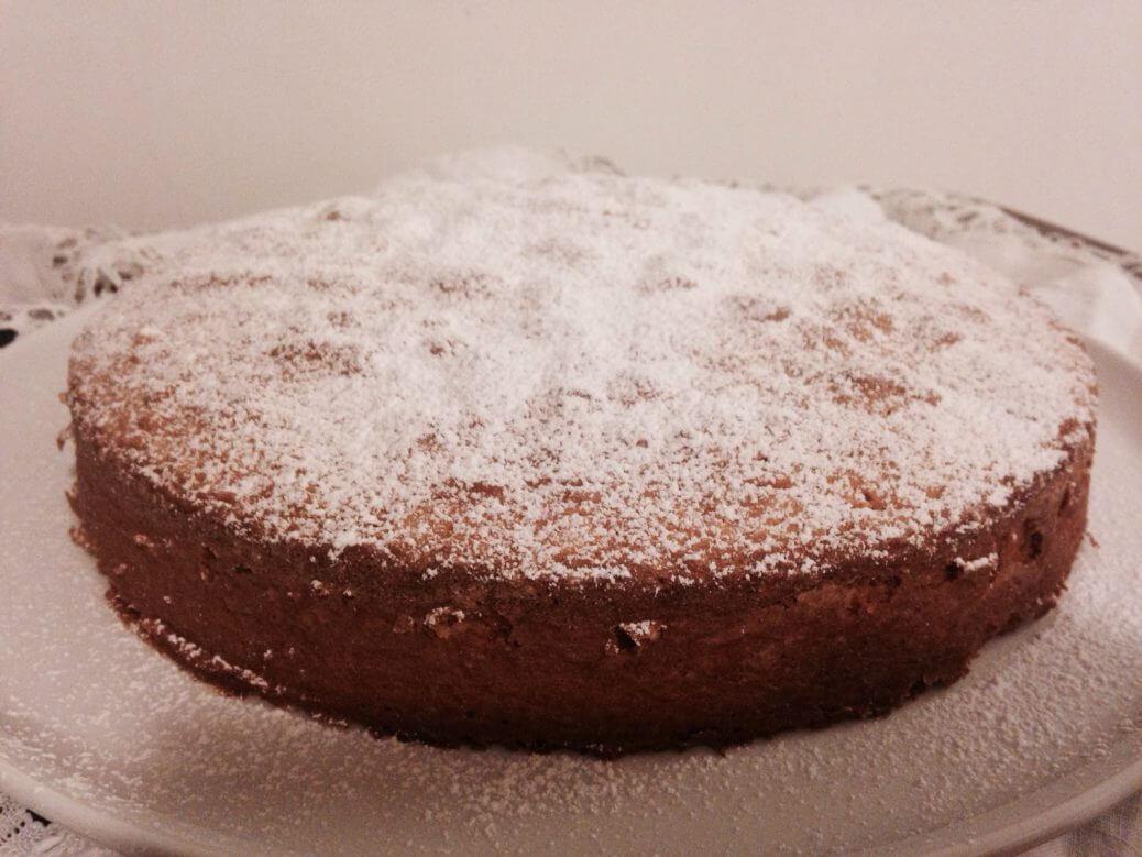Torta al cioccolato, pere e cocco, la ricetta