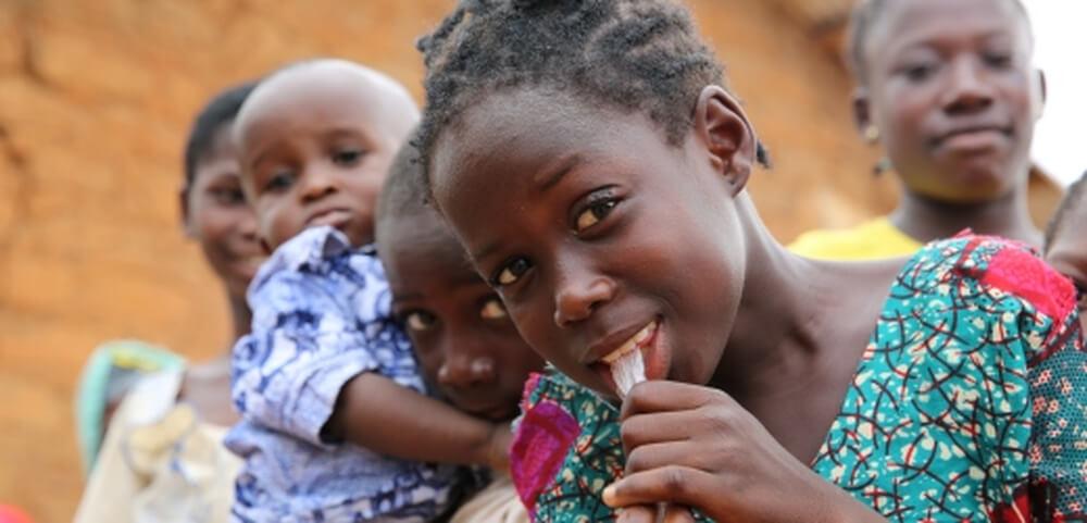 Gli occhi delle bambine: storie di diritti negati vissute attraverso il loro sguardo.