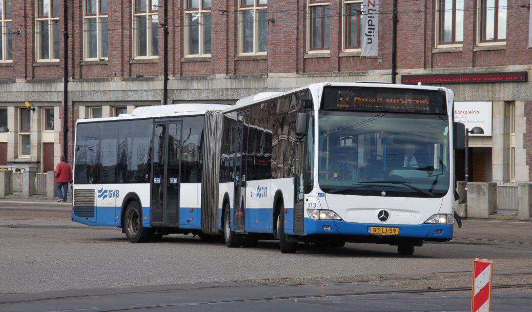 Amsterdam, dal 2018 tutti gli autobus saranno cash free