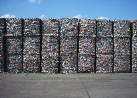 Riciclo dei rifiuti, l'Unione Europea vuole fare di più