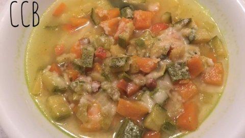 Minestrone fresco con curcuma e lemongrass