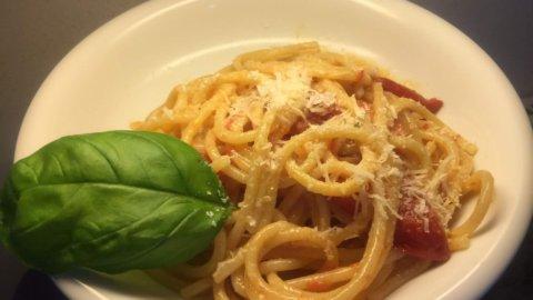 Spaghettoni risottati al pomodoro fresco