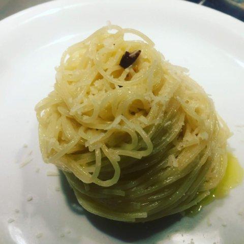 AOP, ovvero aglio, olio e peperoncino