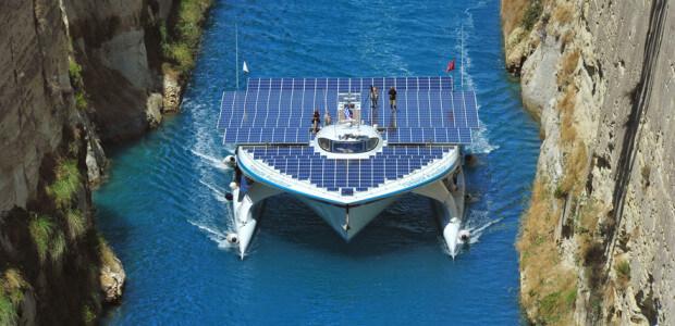 Approda-a-Venezia-PlanetSolar-la-barca-a-energia-solare-pi-grande-mondo-la-prima-ad-aver-circumnavigato-il-pianeta-utilizzando-solo-lenergia-del-sole..jpg