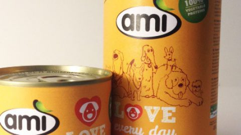 Cibo umido vegetale per cani, novità da Ami pet food