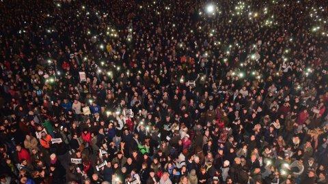 In tutta Europa manifestazioni spontanee per Charlie Hebdo