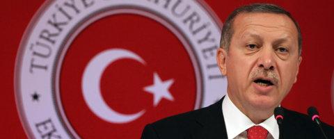 """""""Le donne non sono uguali agli uomini, facciano le madri"""": possiamo accettare il discorso di Erdogan?"""
