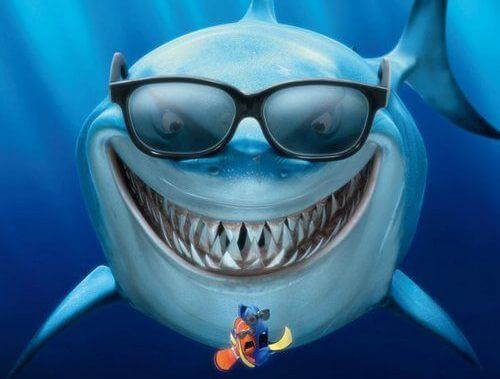 Lo squalo vegetariano for Sfondi animati pesci