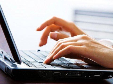 Acquisti online: le donne sbaragliano tutti