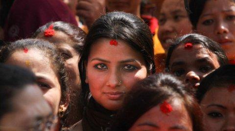 Schiave delle pietre: ecco la vita delle donne nepalesi