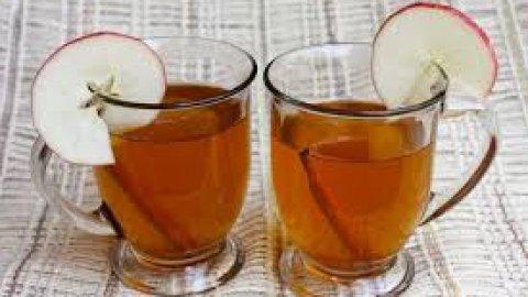 Bevanda calda alla mela